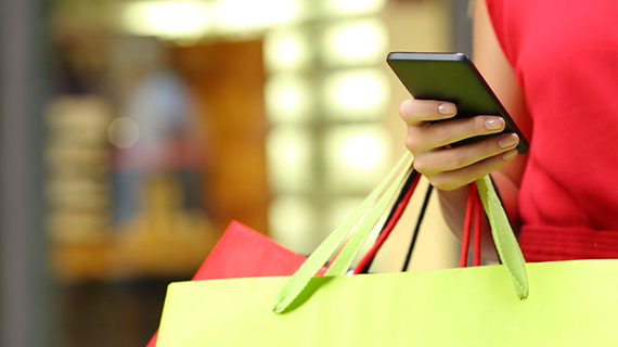 Ways to bridge customers' in-store and online experience- Omnichannel Strategy